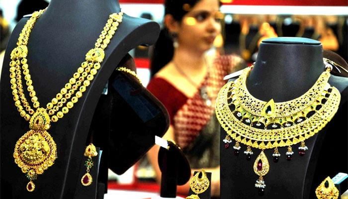 Gold Glitters On Dhanteras Despite High Prices, Sales Up 15%