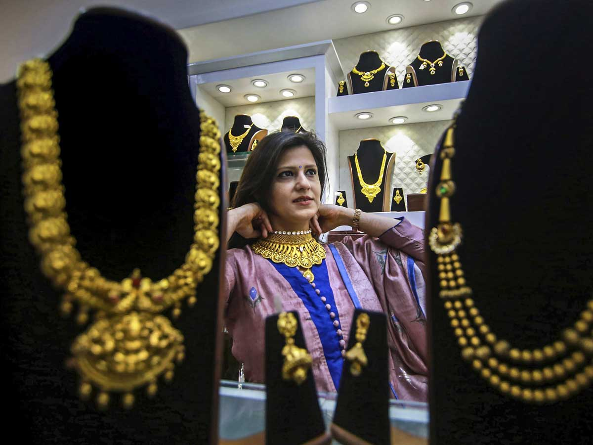 Gold Glitters On Dhanteras Despite High Prices; Sales Up 15%